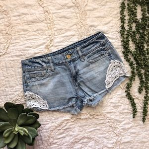 American Eagle Denim Shorts With Lace